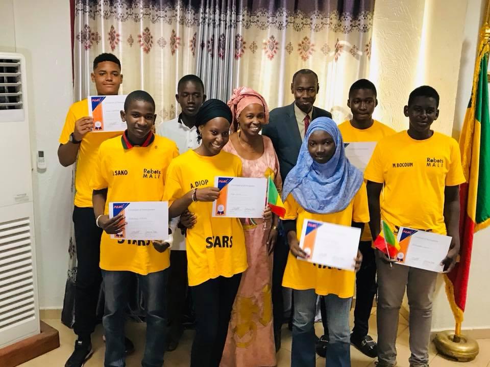 Le Ministre de l'Enseignement Supérieur et de la Recherche Scientifique a félicité les jeunes et les encadreurs qui ont participé  à la compétition.